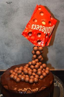 Gravity Cakes (3)