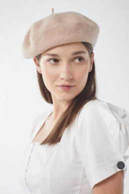 Béret urban outfitters